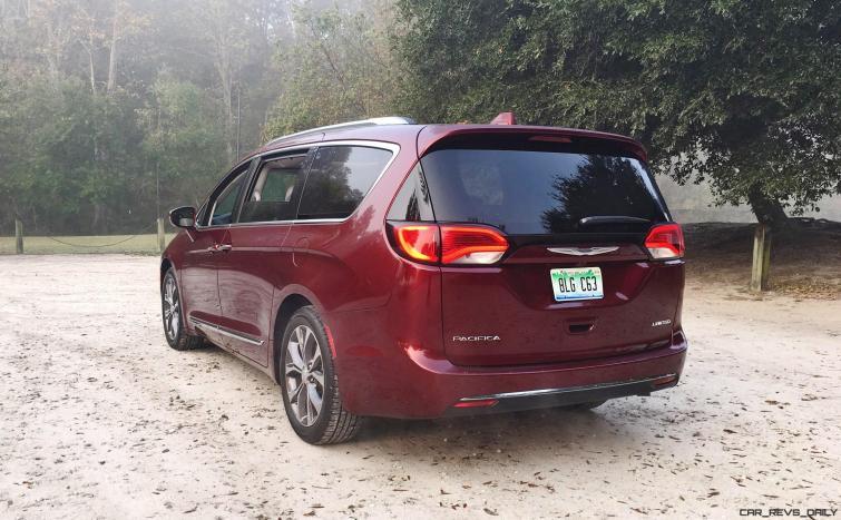 2017 Chrysler Pacifica 35