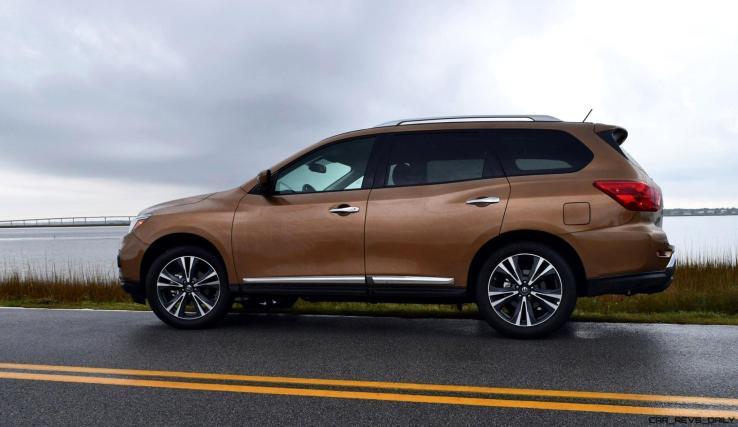 2017 Nissan Pathfinder Platinum 4WD 3