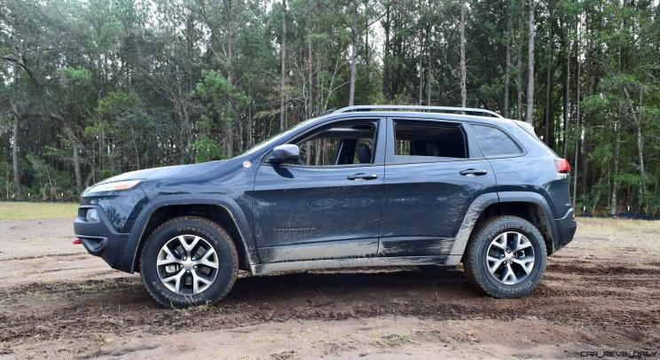 2017 Jeep Cherokee TRAILHAWK 18