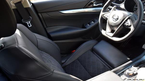 2017 Nissan Maxima SR Midnight Edition - Interior 6