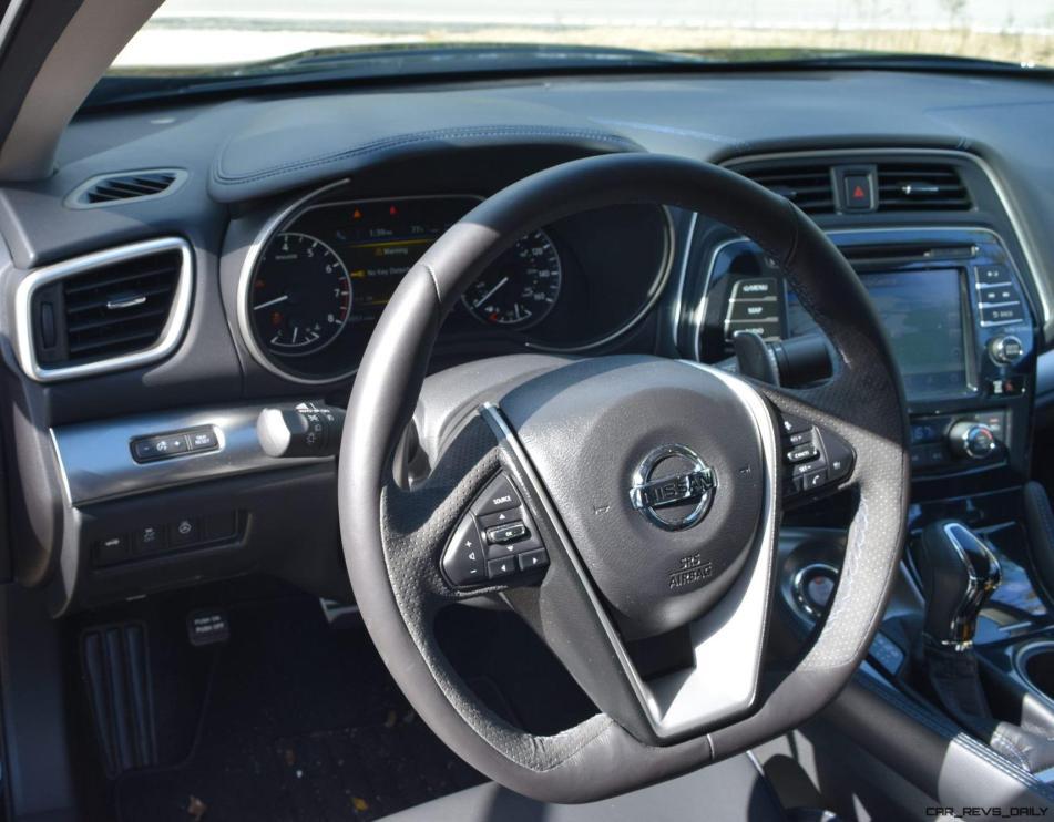 2017 Nissan Maxima SR Midnight Edition - Interior 9