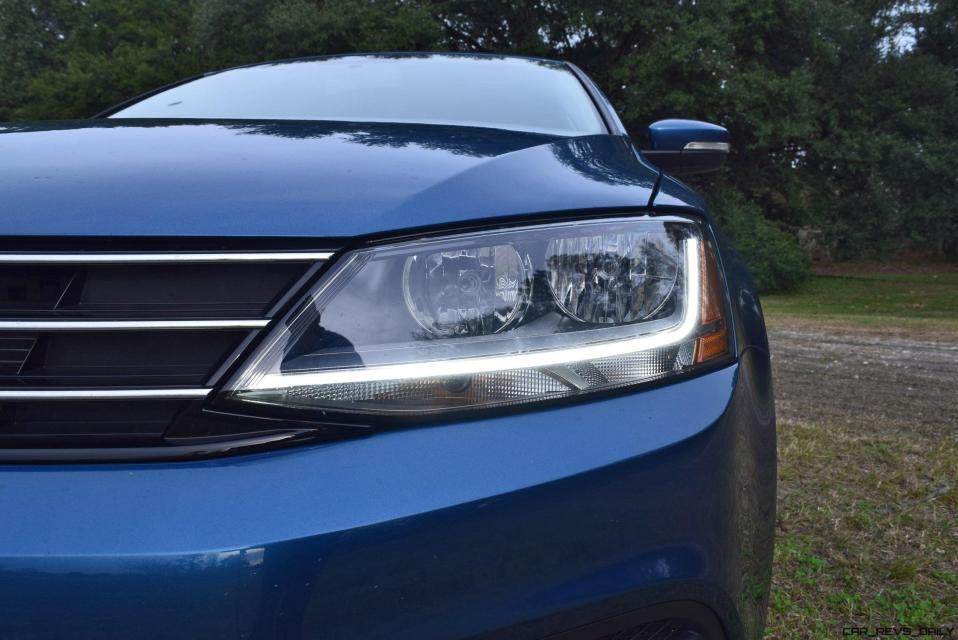 2017 VW Jetta 1.4T - HD Road Test Review 8