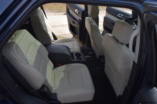 2017 Ford Explorer Platinum - Interior 13