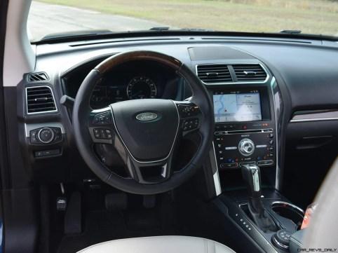 2017 Ford Explorer Platinum - Interior 2