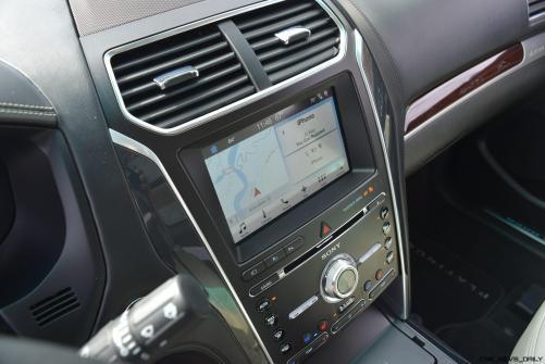 2017 Ford Explorer Platinum - Interior 8