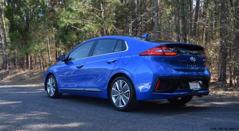 2017 Hyundai Ioniq Hybrid 13