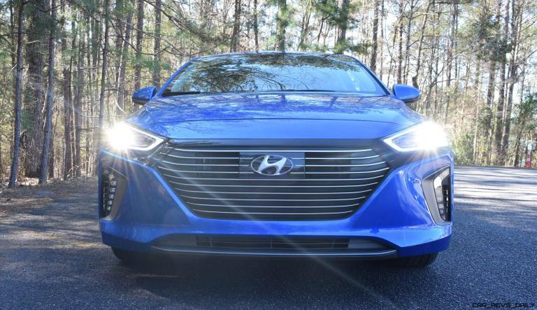 2017 Hyundai Ioniq Hybrid 17