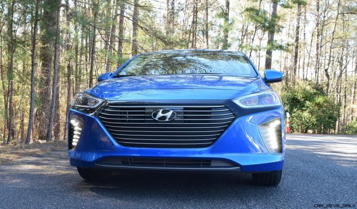 2017 Hyundai Ioniq Hybrid 21