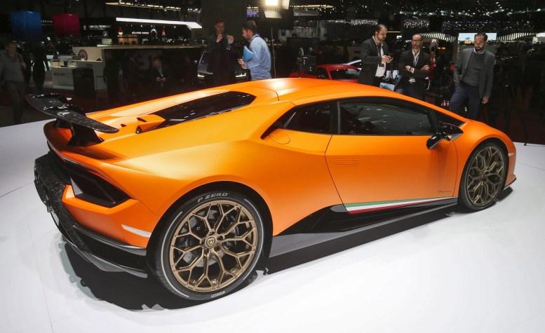 2017 Lamborghini Huracan PERFORMANTE 3