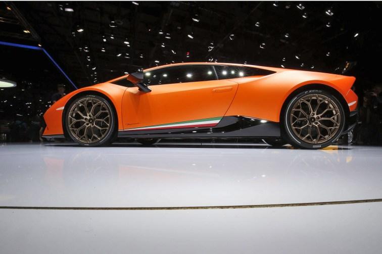2017 Lamborghini Huracan PERFORMANTE 6