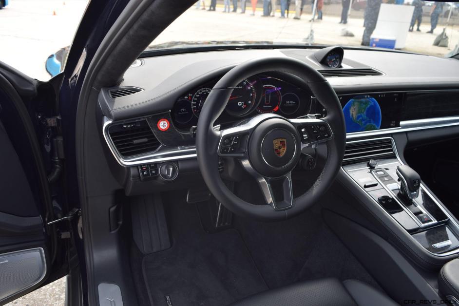 2017 Porsche Panamera TURBO Interior 5