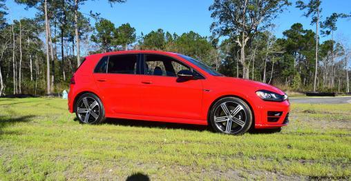 2017 VW Golf R Review 30