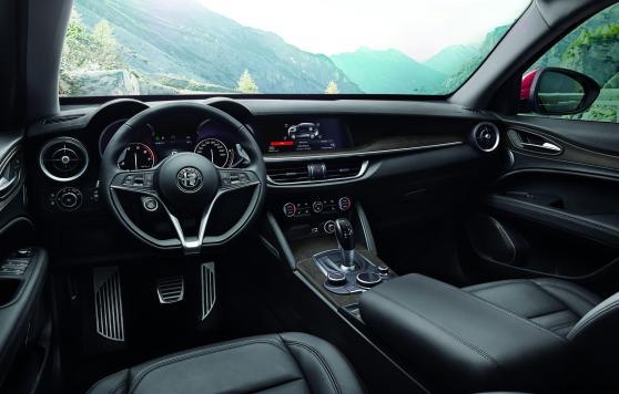 2018 Alfa Romeo STELVIO66
