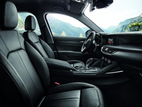 2018 Alfa Romeo STELVIO68