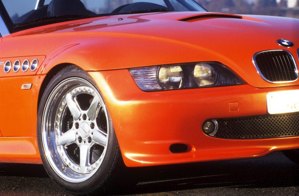 1997_V8_Roadster_03_300