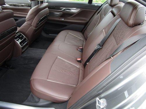 2017 BMW 740e Interior 18