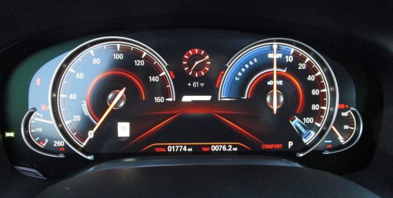 2017 BMW 740e Interior 5