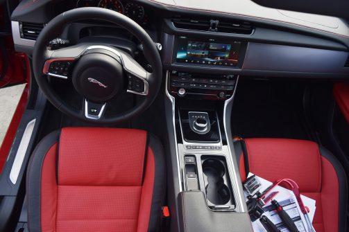 2017 Jaguar XF 35t AWD R-Sport 41