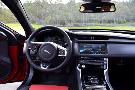 2017 Jaguar XF 35t AWD R-Sport 43