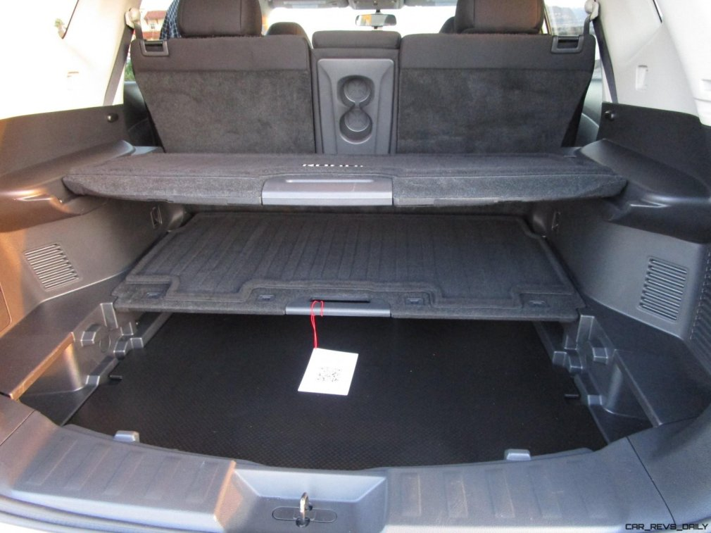 2017 Nissan ROGUE Interior 15