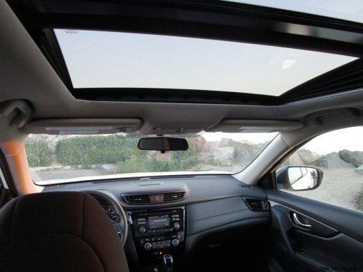 2017 Nissan ROGUE Interior 20