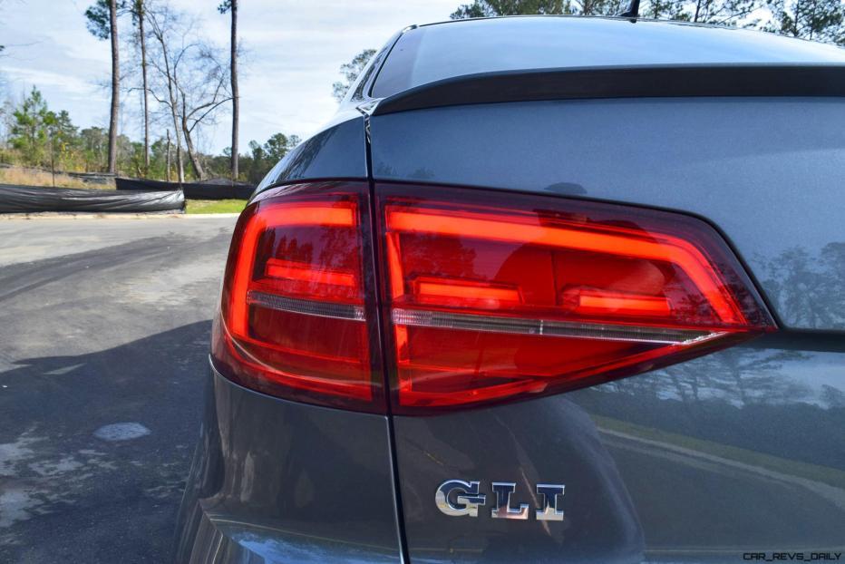 2017 VW Jetta GLI DSG Automatic - HD Road Test Review 19