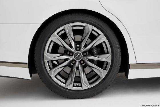 2017_NYIAS_2018_Lexus_LS_500_F_SPORT_015_982146BB13481294E75837FA7654C6AFDE4303E8