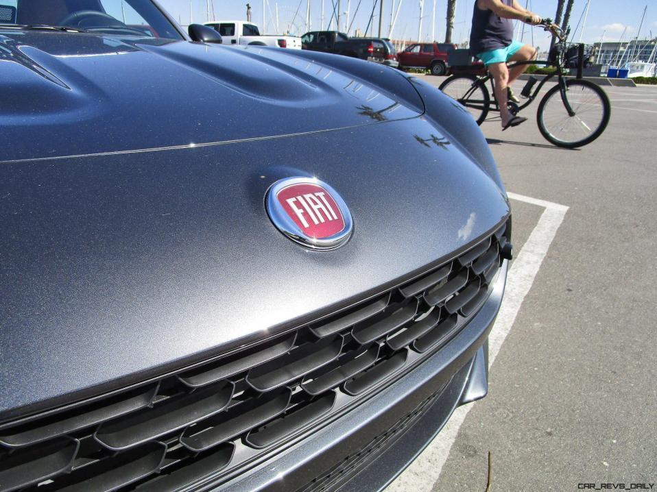 2017 Fiat 124 Spider EXTERIOR 11