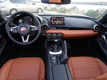 2017 Fiat 124 Spider Lusso INTERIOR 21