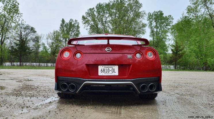 2017 Nissan GT-R Review 27