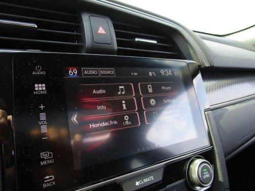 2017 Honda Civic Si Sedan INTERIORS 40