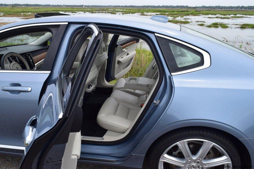 VOLVO S90 T6 AWD Interiors 1