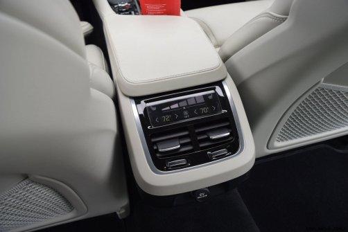 VOLVO S90 T6 AWD Interiors 5