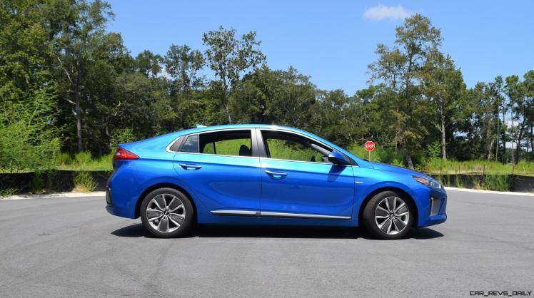 2017 Hyundai Ioniq Hybrid EXTERIOR 29