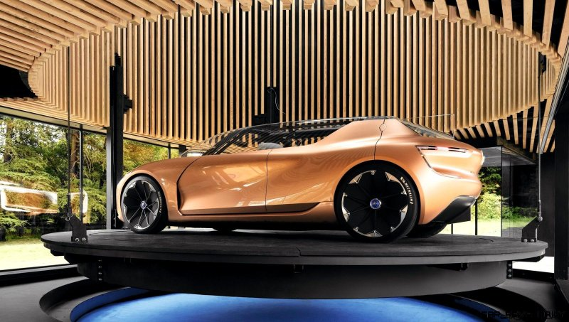 21195978_2017_Renault_SYMBIOZ