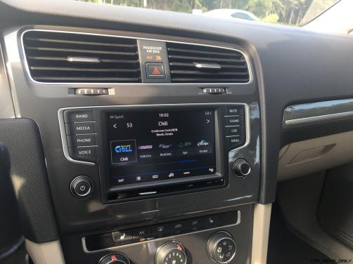 2017 VW Golf Alltrack S 16