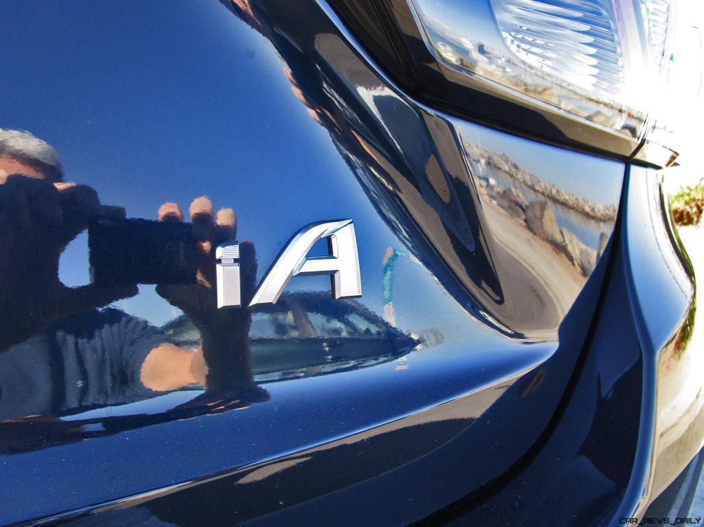 2017 Toyota Yaris iA 16