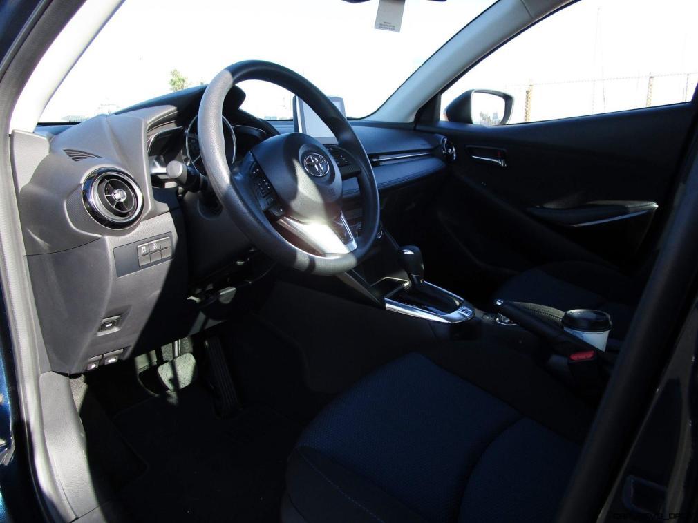 2017 Toyota Yaris iA16