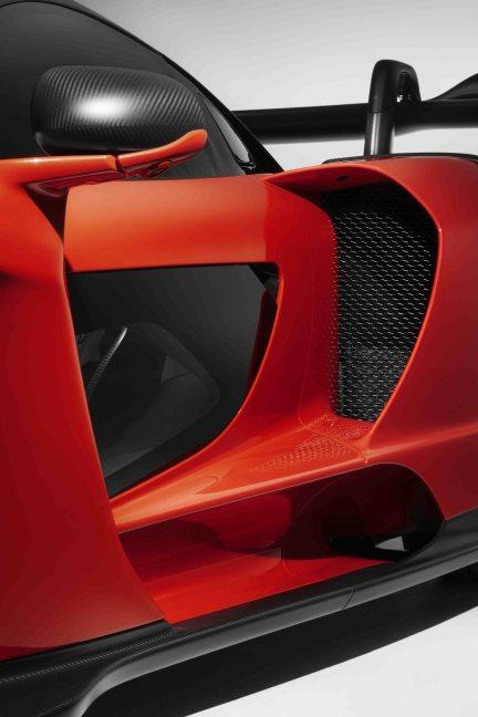 35 - 8625-McLaren+Senna++side+intake+and+door+strake