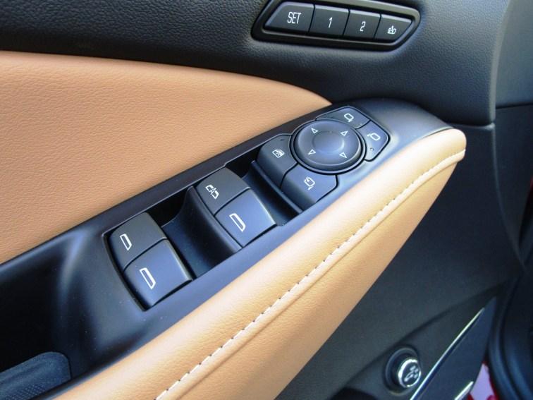 2018 Buick ENCLAVE Interior 18