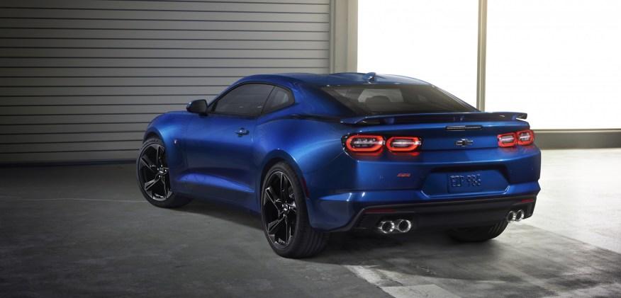 2019-Chevrolet-CamaroSS-003