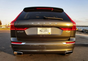 2018 Volvo XC60 T6 AWD Inscription - Road Test Review - By Ben Lewis 17