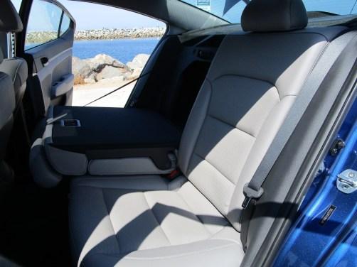 2018 Hyundai Elantra Limited 16