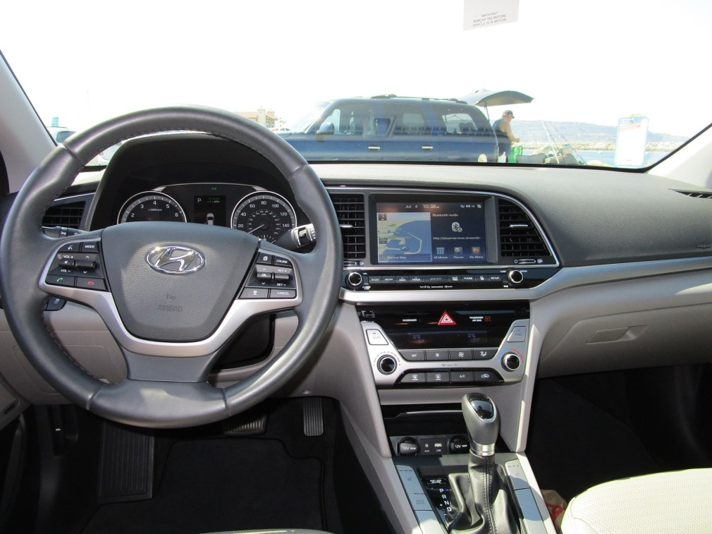 2018 Hyundai Elantra Limited 24