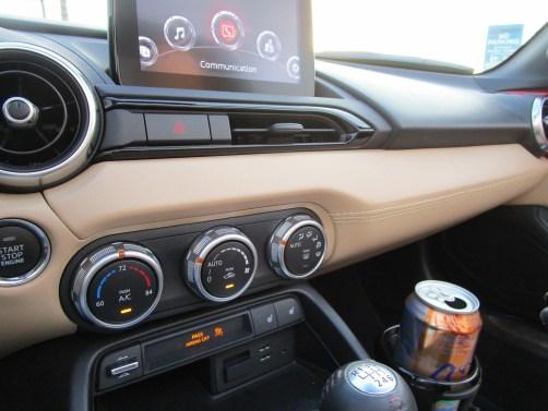 2018 Mazda MX-5 Miata RF - Interior Photos 10