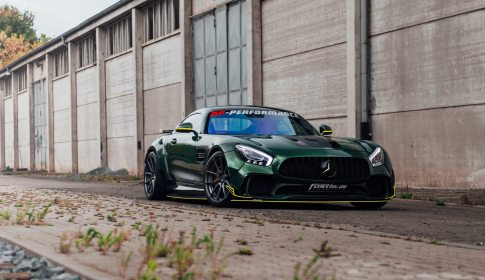 Widebody AMG GTS in Emerald Green 1