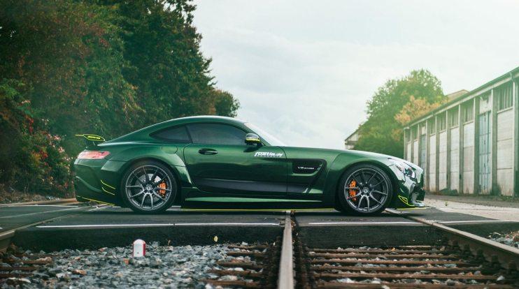 Widebody AMG GTS in Emerald Green 12