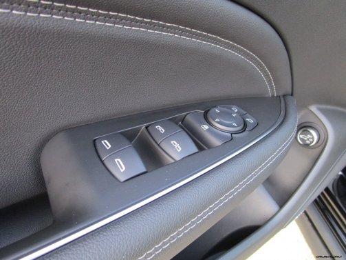 2019 Buick Regal TourX Essence AWD Interior Photos Ben Lewis 24