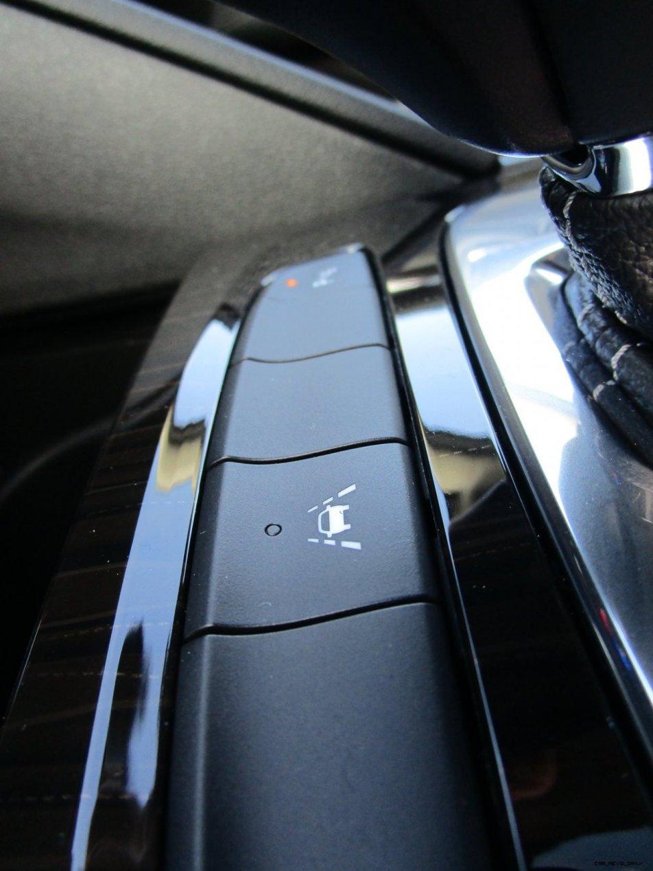 2019 Buick Regal TourX Essence AWD Interior Photos Ben Lewis 35