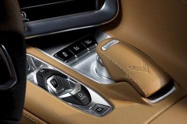 2020-Chevrolet-Corvette-Stingray-034